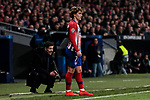 Atletico de Madrid's coach Diego Pablo Simeone (L) and Antoine Griezmann during UEFA Champions League match, Round of 16, 1st leg between Atletico de Madrid and Juventus at Wanda Metropolitano Stadium in Madrid, Spain. February 20, 2019. (ALTERPHOTOS/A. Perez Meca)