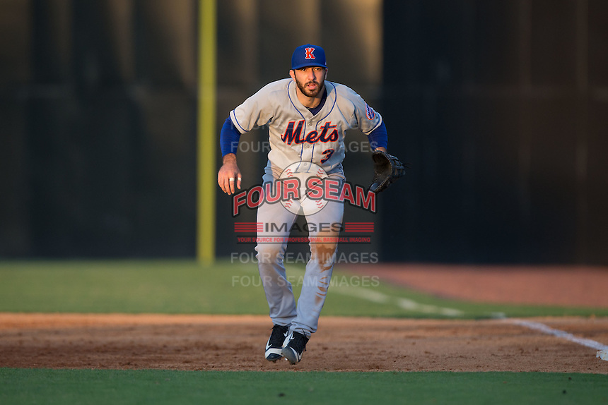 Kingsport Mets first baseman Jeremy Wolf (3) on defense against the Danville Braves at American Legion Post 325 Field on July 9, 2016 in Danville, Virginia.  The Mets defeated the Braves 10-8.  (Brian Westerholt/Four Seam Images)