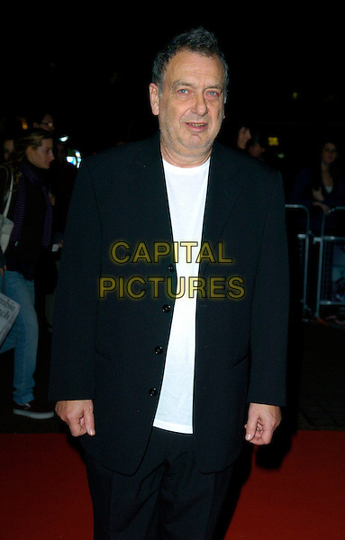 "STEPHEN FREARS.""The Darjeeling Limited""  BFI London Film Festival closing gala, Odeon Leicester Square, London, England..November 1st, 2007.LFF half length black suit .CAP/CAN.©Can Nguyen/Capital Pictures"