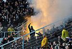 17.10.2010, Rhein-Neckar-Arena, Sinsheim, GER, 1. FBL, TSG Hoffenheim vs Borussia Moenchengladbach, im Bild Gladbacher Anhaenger zuenden bengalische Feuer, Foto © nph / Roth