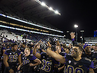 Under Chris Petersen, the Huskies actually know the fight song!