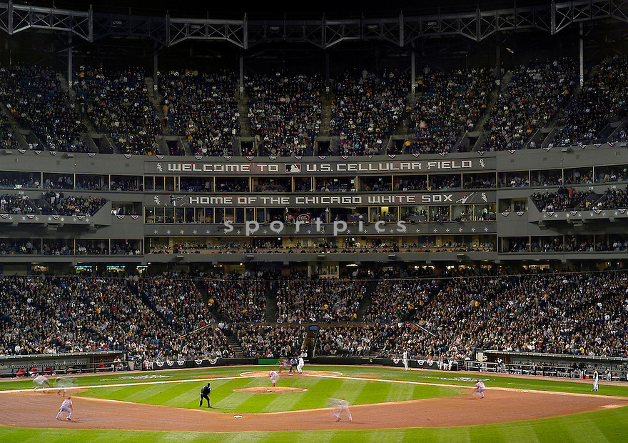 An overall view of US Cellular Field in Chicago, IL, during  game 1 of the American League Championship Series between the Chicago White Sox and the LA Angels on October 11, 2005. (AP Photo/Chris Bernacchi)