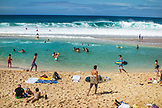 USA, Oahu, Hawaii, Pipeline surfing beach on the North Shore of Oahu