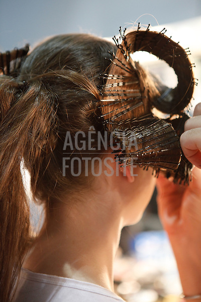 Rio de Janeiro, Brasil - 10/01/2011 - Backstage de Rio Moda Hype durante o Fashion Rio  -  Inverno  2011. Foto : Rafael Canas/ Agencia Fotosite