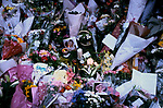 PRINCESS DIANA FLORAL TRIBUTES OUTSIDE KENSINGTON PALACE, LONDON, 1997