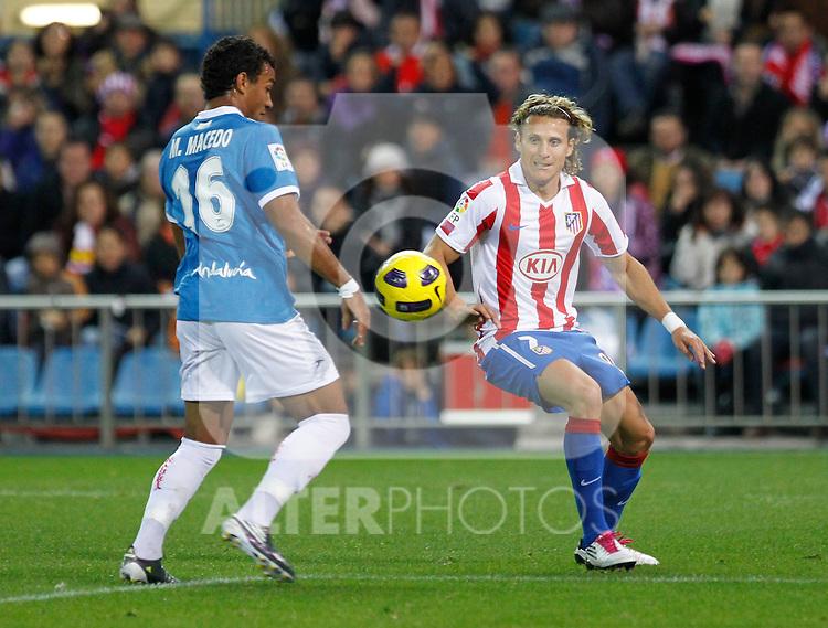Madrid (31/10/10).- Estadio Vicente Caldeon..Campeonato Nacional de Liga..Atco. Madrid 1- Almeria 1..Forlan...©Alex Cid-Fuentes/ ALFAQUI..
