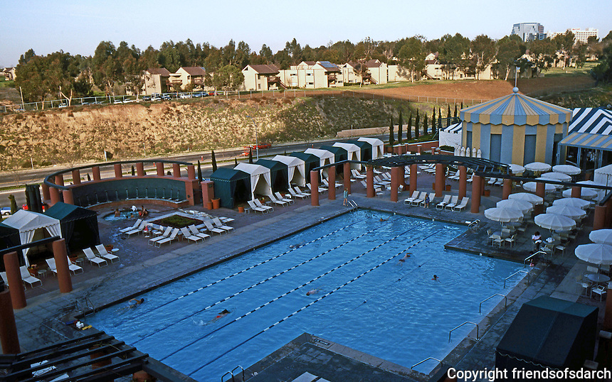 Michael Graves: Hyatt Hotel Pool, Aventine Complex, San Diego.  Photo '04.