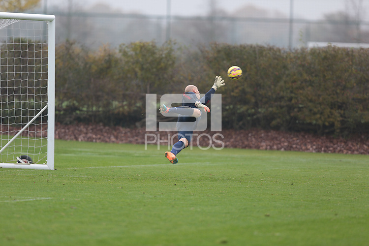 London, UK. - Sunday, November 16, 2014: U.S. Men's National Team Training at Tottenham Hotspur Training Centre.