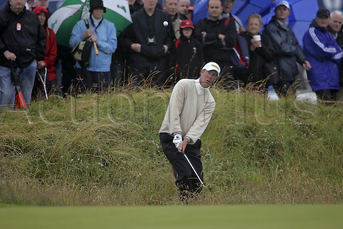17 July 2008: Australian golfer Richard Green (AUS) plays from the rough during the first round of the Open Championship at Royal Birkdale Photo: Neil Tingle/Action Plus..080717 golf