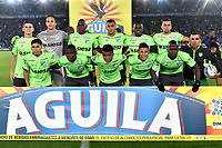 BOGOTA - COLOMBIA - 18 – 11 - 2017: Los jugadores de Deportivo Cali, posan para una foto, durante partido de la fecha 20 entre Millonarios y Deportivo Cali, por la Liga Aguila II-2017, jugado en el estadio Nemesio Camacho El Campin de la ciudad de Bogota. / The players of Deportivo Cali, pose for a photo, during a match of the date 20th between Millonarios and Deportivo Cali, for the Liga Aguila II-2017 played at the Nemesio Camacho El Campin Stadium in Bogota city, Photo: VizzorImage / Luis Ramirez / Staff.