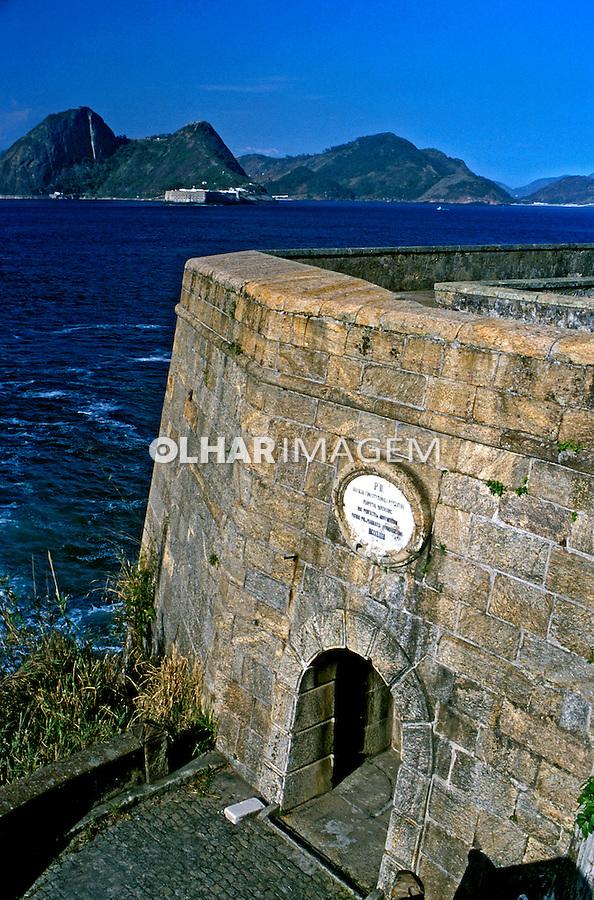 Forte na Baía de Guanabara. Rio de Janeiro. 2003. Foto de Ricardo Azoury.