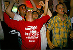 WORLD CUP 1998, ENGLAND FANS WATCH ENGLAND BEAT COLUMBIA TWO GOALS TO NIL ON 26TH JUNE 1998,
