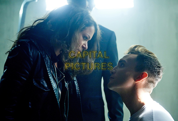 Tatiana Maslany, Ari Millen<br /> in Orphan Black (2013&ndash; ) <br /> (Season 3)<br /> *Filmstill - Editorial Use Only*<br /> CAP/FB<br /> Image supplied by Capital Pictures