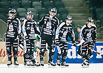 Stockholm 2015-03-14 Bandy SM-final herrar Sandvikens AIK - V&auml;ster&aring;s SK :  <br /> Sandvikens Erik Pettersson och Patrik Nilsson ser nedst&auml;mda ut under matchen mellan Sandvikens AIK och V&auml;ster&aring;s SK <br /> (Foto: Kenta J&ouml;nsson) Nyckelord:  SM SM-final final Bandyfinal Bandyfinalen herr herrar VSK V&auml;ster&aring;s SAIK Sandviken depp besviken besvikelse sorg ledsen deppig nedst&auml;md uppgiven sad disappointment disappointed dejected