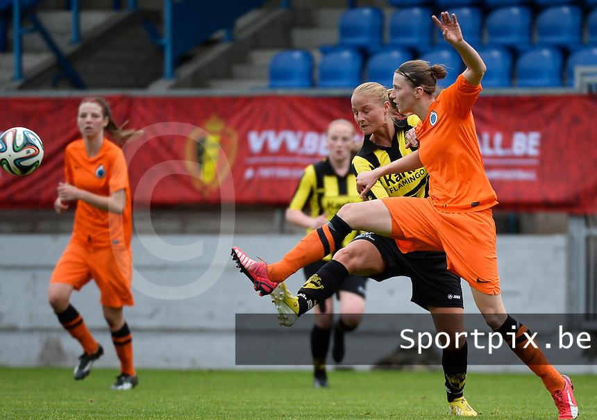 20150514 - BEVEREN , BELGIUM : duel pictured between Brugge's Heleen Jaques (r) and Lierse's Domique Vugts during the final of Belgian cup, a soccer women game between SK Lierse Dames and Club Brugge Vrouwen , in stadion Freethiel Beveren , Thursday 14 th May 2015 . PHOTO DAVID CATRY
