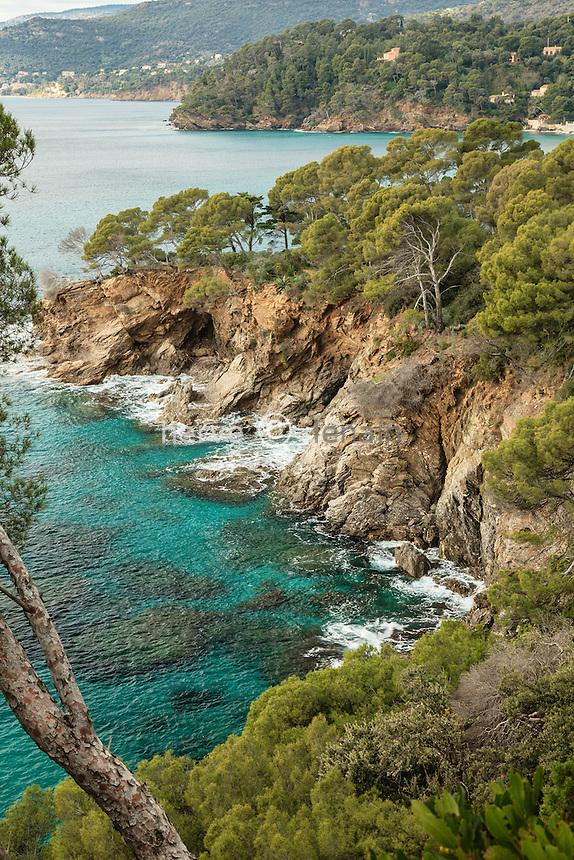 Domaine du Rayol en novembre : vu sur la côte depuis la zone sauvage