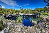 Trou bleu d'Hanawa, Ouvéa, Nouvelle-Calédonie