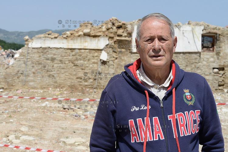 Amatrice, Rieti, 11 Giugno 2018<br /> Un Anziano che ha perso la sua casa<br /> Il Presidente del Consiglio Giuseppe Conte in visita sui luoghi del terremoto del 24 Agosto 2016