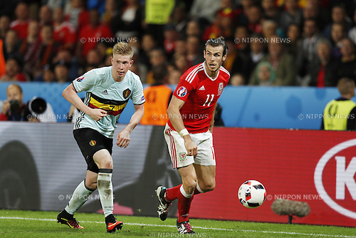 (L-R) Kevin De Bruyne (BEL), Gareth Bale (WAL), JULY 1, 2016 - Football / Soccer : UEFA EURO 2016 Quarter-finals match between Wales 3-1 Belgium at the Stade Pierre Mauroy in Lille Metropole, France. (Photo by Mutsu Kawamori/AFLO) [3604]