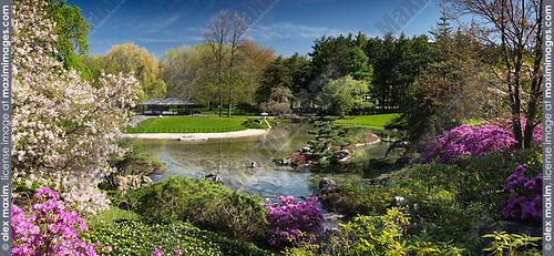 Chinese temple and Zen garden at Montreal Botanical Garden, Montreal, Quebec, Canada. Jardin de chine, Jardin botanique de Montréal, Ville de Montréal, Québec, Canada 2017.