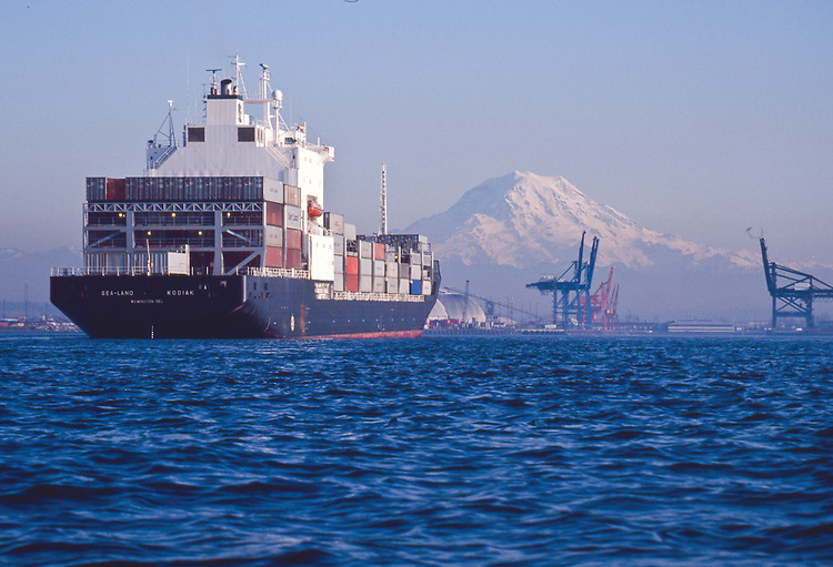 Container ship, Mount Rainier, Tacoma, Commencement Bay