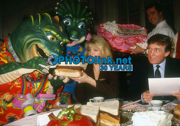 Donald & Marla Trump 1992<br /> Photo By Adam Scull/PHOTOlink.net