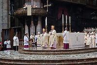Milano: Angelo Scola e Dionigi Tettamanzi durante celebarzioni per il nuovo arcivescovo di Milano .
