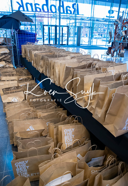 UTRECHT - Goodiebags. Nationaal Hockey Congres van de KNHB, COPYRIGHT KOEN SUYK