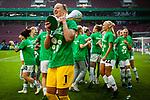 01.05.2019, RheinEnergie Stadion , Köln, GER, DFB Pokalfinale der Frauen, VfL Wolfsburg vs SC Freiburg, DFB REGULATIONS PROHIBIT ANY USE OF PHOTOGRAPHS AS IMAGE SEQUENCES AND/OR QUASI-VIDEO<br /> <br /> im Bild | picture shows:<br /> Almuth Schult (VfL Wolfsburg #1) jubelt mit dem Pokal in der Hand, <br /> <br /> Foto © nordphoto / Rauch