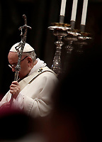 Papa Francesco celebra la Messa del Crisma in occasione del Giovedi' Santo, nella Basilica di San Pietro, Citta' del Vaticano, 29 marzo 2018.<br /> Pope Francis leads the Chrism Mass for Holy Thursday in Saint Peter's Basilica at the Vatican, on March 29, 2018.<br /> UPDATE IMAGES PRESS/Isabella Bonotto<br /> <br /> STRICTLY ONLY FOR EDITORIAL USE