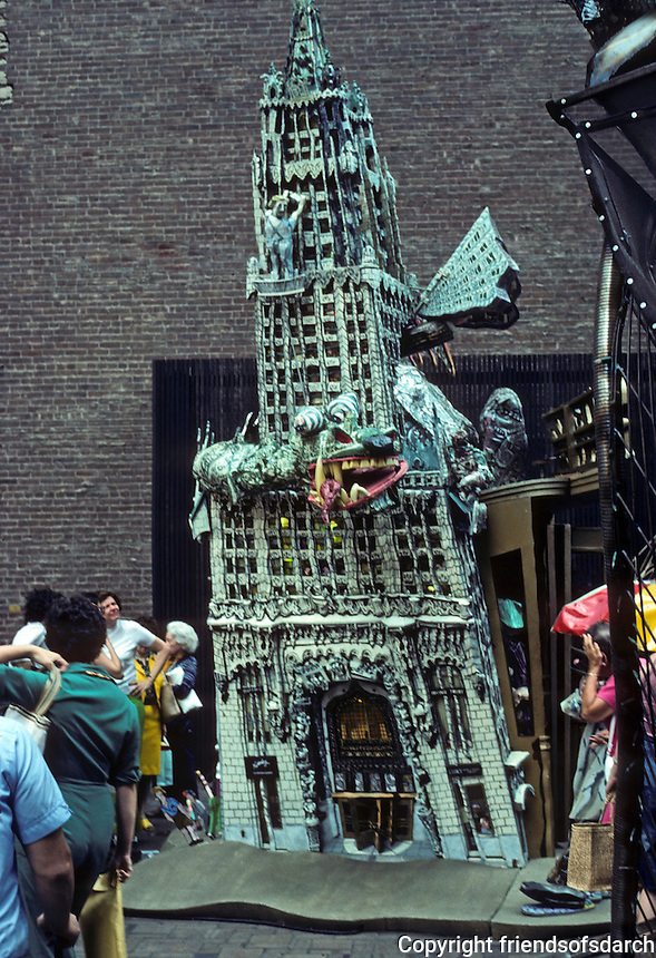 New York: Ruckus Manhattan, 1975.  Red Groom's  sculpto-pictorama, a  three-dimensional construction melded painting and sculpture  to stir  interaction with the viewers.  Woolworth Tower. Photo '76.