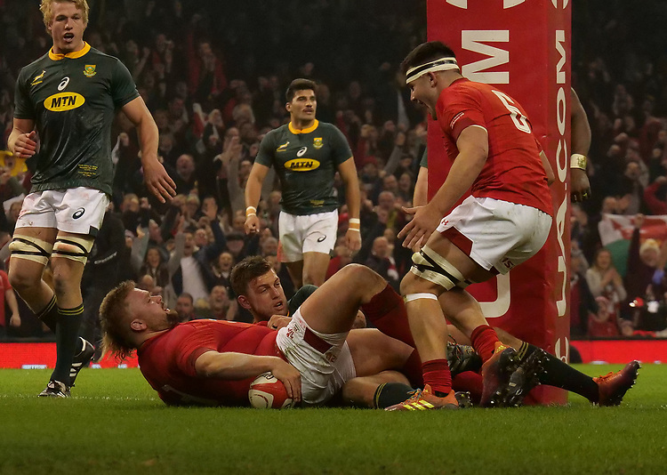 Wales' Tomas Francis scores his side's first try<br /> <br /> Photographer Ian Cook/CameraSport<br /> <br /> Under Armour Series Autumn Internationals - Wales v South Africa - Saturday 24th November 2018 - Principality Stadium - Cardiff<br /> <br /> World Copyright © 2018 CameraSport. All rights reserved. 43 Linden Ave. Countesthorpe. Leicester. England. LE8 5PG - Tel: +44 (0) 116 277 4147 - admin@camerasport.com - www.camerasport.com