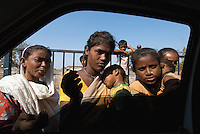 15_INDIA_One day from the car window in Mumbai
