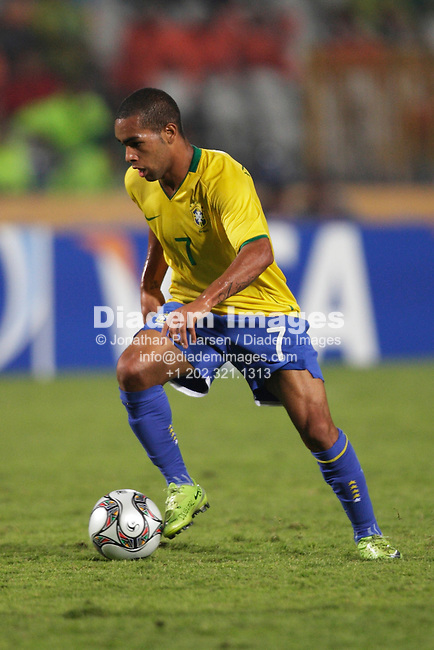 CAIRO - OCTOBER 16:  Alex Teixeira of Brazil controls the ball during the FIFA U-20 World Cup final against Ghana October 16, 2009 in Cairo, Egypt.  (Photograph by Jonathan P. Larsen)