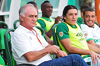 CALI - COLOMBIA - 13 - 09 -2015: Fernando Castro, técnico de Deportivo Cali durante partido de la fecha 12 entre Deportivo Cali y Deportivo Pasto, de la Liga Aguila II 2015 en el estadio Deportivo Cali (Palmaseca) de la ciudad de Cali. / Fernando Castro, coach of Deportivo Cali during a match for the date 10 between Deportivo Cali and Deportivo Pasto, for the Liga Aguila II 2015 at the Deportivo Cali (Palmaseca) stadium in Cali city. Photo: VizzorImage /  NR / Cont.