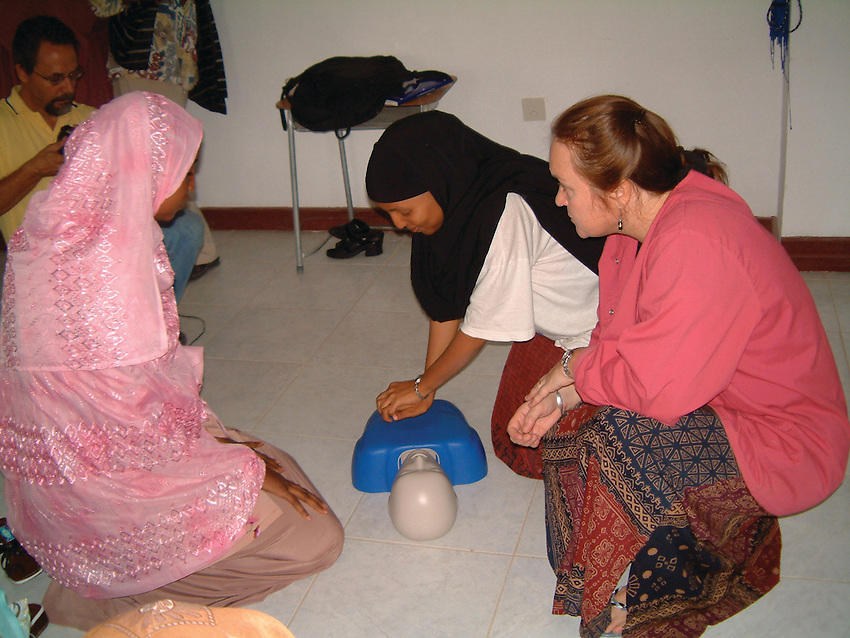 Gowan teaches life-saving CPR skills to nursing students in Somaliland