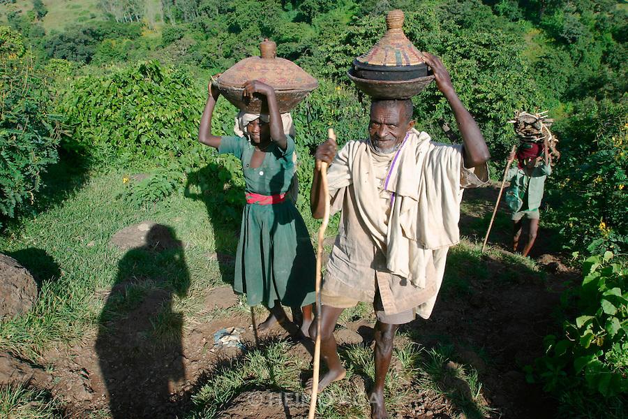 TISSISAT, GOJJAM/ETHIOPIA..Tissisat villagers..(Photo by Heimo Aga)