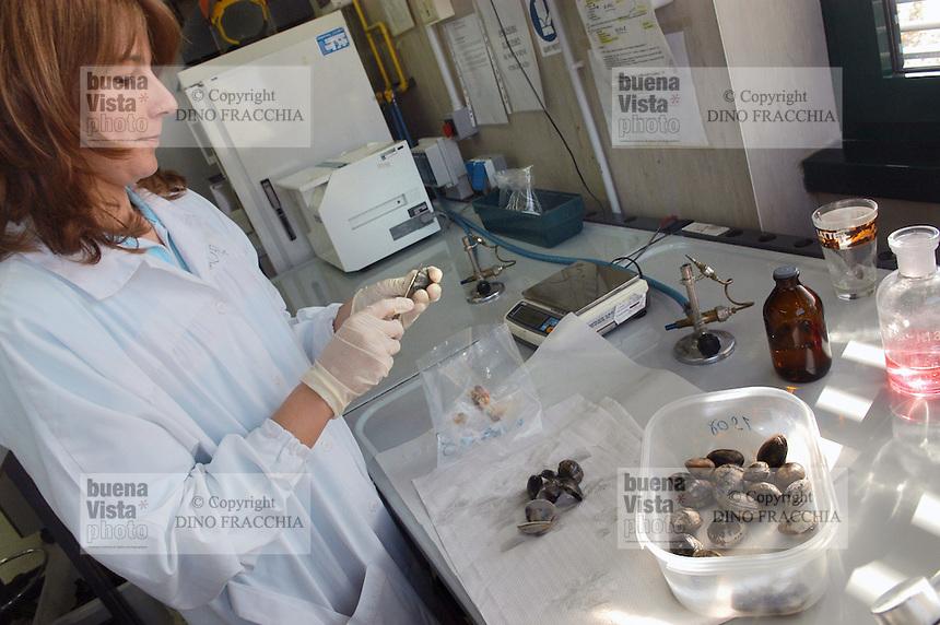 - Experimental Zooprofilattic Institute of the Venezie,  chemical laboratory for the control of the alimentary safety, clams control....- Istituto Zooprofilattico Sperimentale delle Venezie,  laboratorio chimico per il controllo della sicurezza alimentare, controllo delle vongole