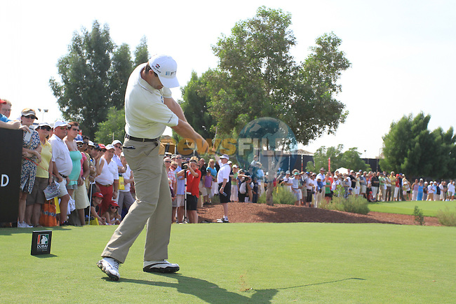 Padaig Harrington tees off to start his round during  Day 2 at the Dubai World Championship Golf in Jumeirah, Earth Course, Golf Estates, Dubai  UAE, 20th November 2009 (Photo by Eoin Clarke/GOLFFILE)