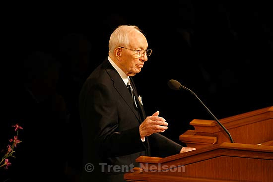 LDS President Gordon B. Hinckley . Salt Lake City - Funeral for President James E. Faust, a member of the First Presidency of the Church of Jesus Christ of Latter-day Saints..; 8.14.2007