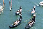 """Gondel in Venedig, Canale Grande vor der """"Ponte della Academia"""""""