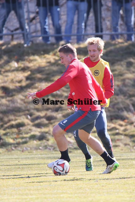 Bastian Oczipka gegen Stefan Aigner - Eintracht Frankfurt Training, Commerzbank Arena