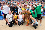26.08.2017, Hamburg, Stadion Am Rothenbaum<br />Beachvolleyball, World Tour Finals<br /><br />Jubel Laura Ludwig (#1 GER), Kira Walkenhorst (#2 GER) mit Trainer / Scout / Staff und Eduarda (Duda) Santos Lisboa (#2 BRA), Agatha Bednarczuk (#1 BRA)<br /><br />  Foto © nordphoto / Kurth