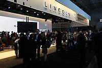 NEW YORK, EUA, 12.04.2017 - AUTOMÓVEL-NEW YORK -  Navigator lançamento da Lincoln é visto durante o New York Internacional Auto Show no Javits Center na cidade de New York nesta quarta-feira, 12. O evento é aberto ao público do dia 14 à 23 de abril de 2017 . (Foto: Vanessa Carvalho/Brazil Photo Press)