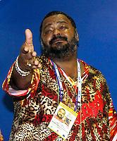 RIO DE JANEIRO, RJ, 07 DE MARÇO DE 2011 - CARNAVAL RJ - CAMAROTES - O cantor Arlindo Cruz é visto acompanhando o segundo dia de Desfile das Escolas de Samba do Grupo Especial do Rio de Janeiro, na Marquês de Sapucaí (Sambódromo), no centro da cidade, na noite desta segunda-feira. (FOTO: WILLIAM VOLCOV / NEWS FREE).