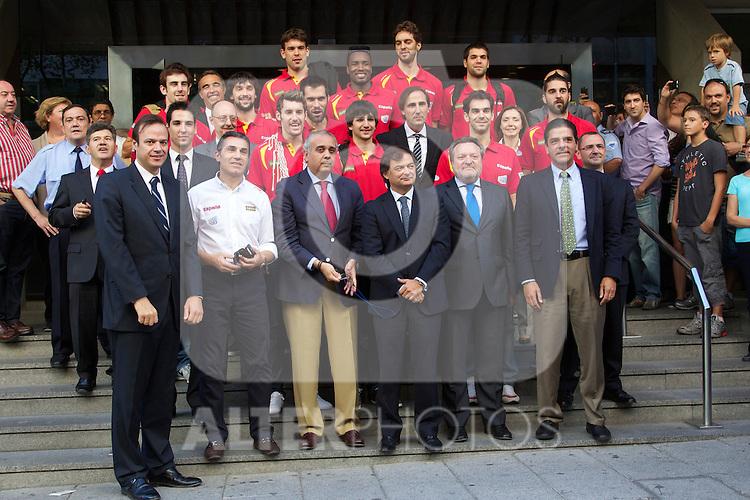 La seleccion espanola de baloncesto celebra el Campeonato de Europa con una comida en el Meson Txistu de Madrid, 19 septiembre 2011...Photo: Cesar Cebolla / ALFAQUI..