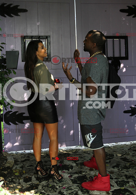 October 01 2012: .KIM KARDASHIAN AND KANYE WEST ENJOY ROMANTIC DAY IN MIAMI.Non Exclusive.Mandatory Credit: OHPIX.COM..Ref: OH_sol /NortePhoto