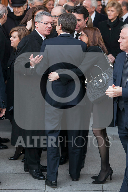Alberto Ruiz Gallardon, Jose Luis Rodriguez Zapatero and Soraya Rodriguez leave the state funeral for former Spanish prime minister Adolfo Suarez at the Almudena Cathedral in Madrid, Spain. March 31, 2014. (ALTERPHOTOS/Victor Blanco)