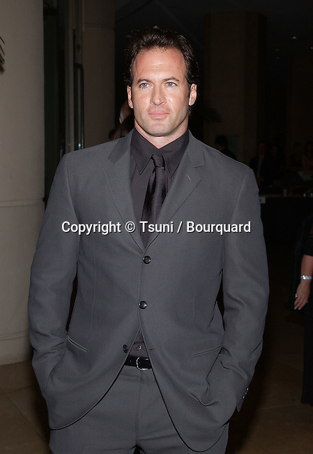 Scott Patterson arriving at the 5th Hollywood Film Festival Gala Ceremony Awards at the Beverly Hilton in Los Angeles.  August 6, 2001 © Tsuni          -            PatersonScott03.jpg