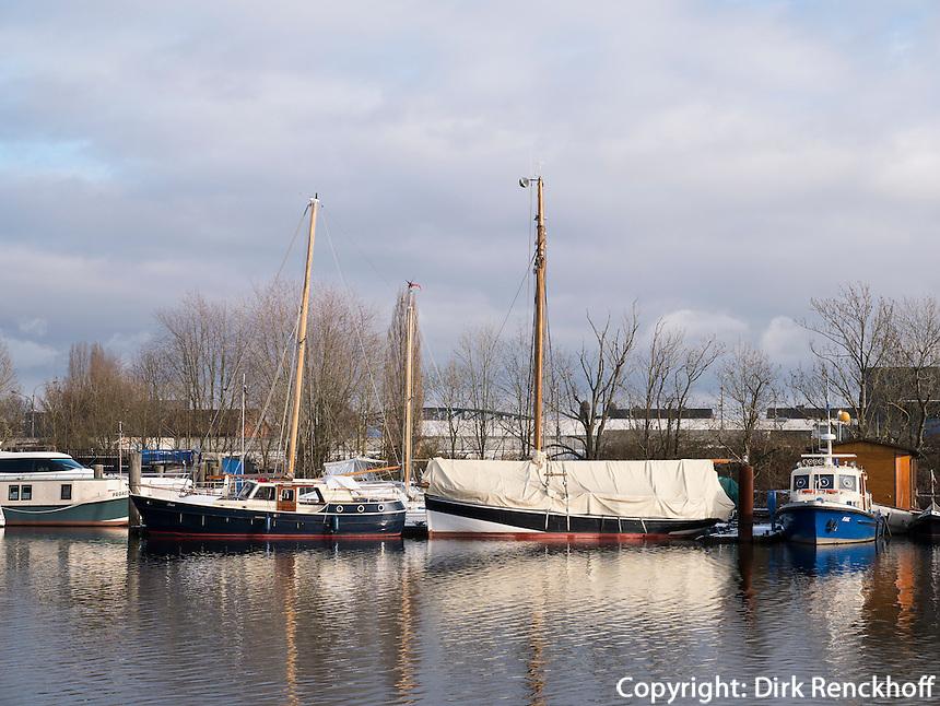 Am Harburger Binnenhafen, Hamburg, Deutschland, Europa<br /> inland  Harbour, Hamburg-Harburg, Germany Europe